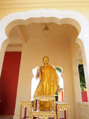 NAKHON PATHOM,THAILAND - DECEMBER 11: Old Buddha statue in phra Pathom Chedi ,11 December 2011 at Nakhon Pathom,Thailand. — Foto de Stock