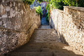 Narrow Street and Stairway in Pula, Croatia — Stock Photo