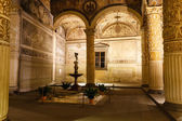 Rich Interior of Palazzo Vecchio (Old Palace) a Massive Romanesq — Stock Photo