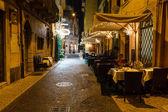 Venkovní restaurace v chodníku náměstí piazza bra ve veroně, vene — Stock fotografie