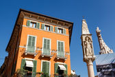 Devotional Column on Piazza Bra in Verona, Veneto, Italy — Stock Photo