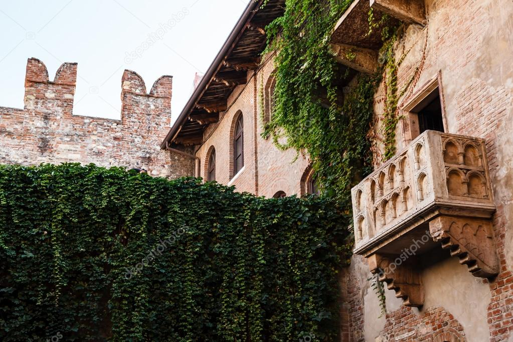 The famous balcony of juliet capulet home in verona, veneto,.