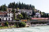 Adige River Embankment in Verona, Veneto, Italy — ストック写真