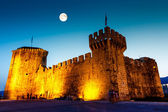 Full Moon above Medieval Castle of Kamerlengo in Trogir, Croatia — Stock Photo
