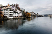 Zurich Skyline and the River Limmat in the Evening, Switzerland — Stock Photo
