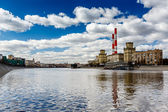 Cityscape of the Moscow River and Coal Power Plant, Moscow, Russ — Stok fotoğraf
