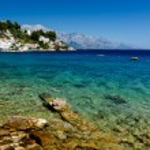 Beautiful Beach and Transparent Turquoise Adriatic Sea near Spli — Stock Photo #24785269