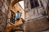 Street Lamp in the Narrow Street of Omis, Croatia — Stock Photo