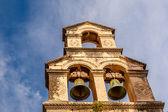Çan kulesi ve mavi gökyüzü arka plan, dubrovnik, Hırvatistan — Stok fotoğraf