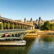 Bir-Hakeim Bridge and Seine River in the Morning, Paris, France — Stock Photo