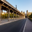 Bir-Hakeim Bridge in the Morning, Paris, France — Stock Photo