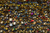 Love Padlocks at Pont des Arts in Paris, France — Stock Photo