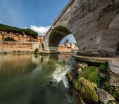 Panorama of Tiber Island and Cestius Bridge over Tiber River, Ro — Stock Photo