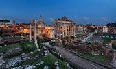 Panorama of Roman Forum (Foro Romano) in the Evening, Rome, Ital — Stock Photo