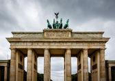 Quadriga on Top of the Brandenburger Tor (Brandenburg Gate) in B — Foto de Stock