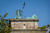 Quadriga on Top of the Brandenburger Tor (Brandenburg Gate) in B — Foto Stock