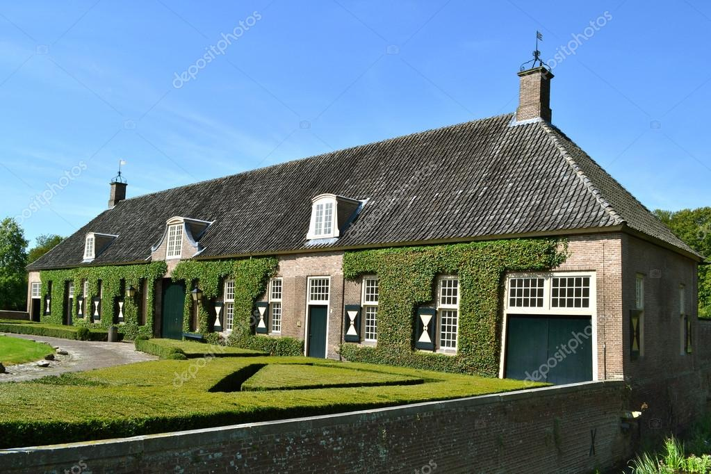 Coach House of castle Eerde in Ommen, Netherlands. — Stock Photo #12685985