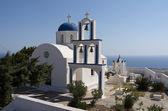 церковь и кладбище в exo gonia. — Стоковое фото
