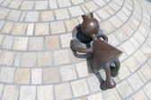 """Sculpture garden, with sculptures from the American Tom Otterness on the boulevard in Scheveningen called """"Fairytale Sculptures by the Sea"""". — Stok fotoğraf"""