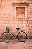 A window and a bicycle — Stock Photo