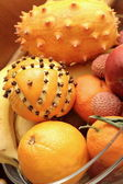 Mazzo di frutti esotici — Foto Stock