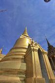 BANGKOK THAILAND - JAN 03 : golden pagoda in the Grand Palace, o — Stock Photo