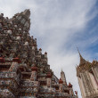 Stock Photo: BANGKOK, THAILAND - NOVEMBER 10 : many travelers go to Wat Arun