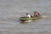 BANGKOK, THAILAND - NOVEMBER 10 : typical long tail boat down Ch — Stock Photo
