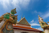 Demon Guardian at wat Arun in Bangkok Thailand — 图库照片