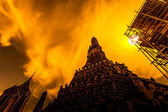 Wat Arun, The Temple of Dawn, silhouette — Stock Photo