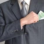 Man puts money — Stock Photo