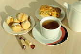 Tea and sweets — Stock Photo