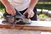 Elektrik uçakları ile marangoz — Stok fotoğraf
