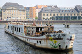 Abandoned riverboat in Berlin — Stock Photo