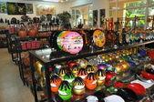 Vietnamese souvenir shop. — Stock Photo