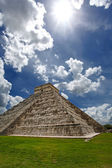 Pyramid Kukulkan, Chichen Itza — Stock Photo