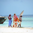 Muslim women enjoying the beach, Zanzibar — Stock Photo
