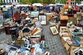 Busy Sunday Flea Market in Brussels — Stock Photo