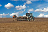 Tractors in the field — Stock Photo