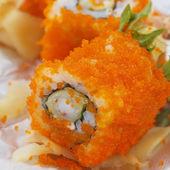 Closeup suşi, japon tarzı yemek. — Stok fotoğraf