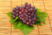 Red grape and leaf with harvest was new. — Stock Photo