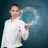 Business woman showing a business strategy on virtual screen. — Stock Photo