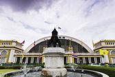 поезд станции hua lumpong бангкок таиланд — Стоковое фото