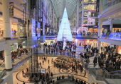 Christmas Shopping in Toronto — Stock Photo