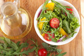 Fresh salad with tomatoes pepper and onions — Stock Photo