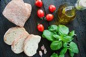 Bruschetta ingredientes para preparação — Fotografia Stock