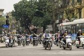 Vietnam Hanoi - March 2012: Overwhelming number of motorbikes — Stock Photo