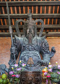 Vietnam Chua Bai Dinh Pagoda: Statue of fierce medieval warrior — Stock Photo