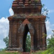 Looking through one of the Banh It Cham towers. — Stockfoto