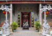Ingresso al tempio cinese dong quang in hoi an, vietnam. — Foto Stock